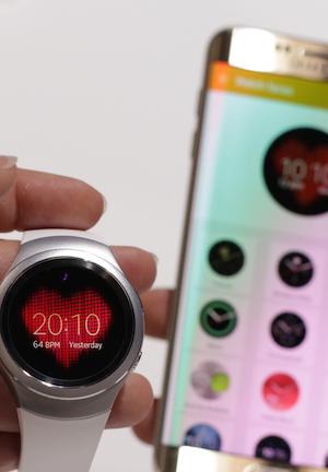 Sag´s mit einem Watchface – zur leichteren Einrichtung gibt es die passende App erstmals auch für Nicht-Samsung-Android-Smartphones