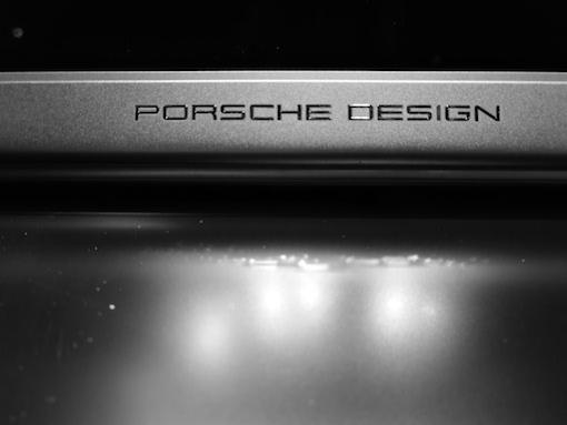 Porsche Design Book One - Schriftzug